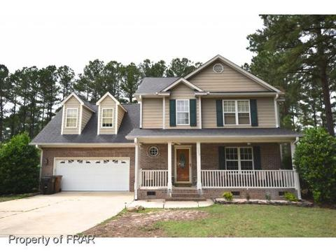 229 Stone Cross Dr, Spring Lake, NC 28390