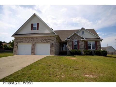 3004 Claymore Ct, Hope Mills, NC 28348