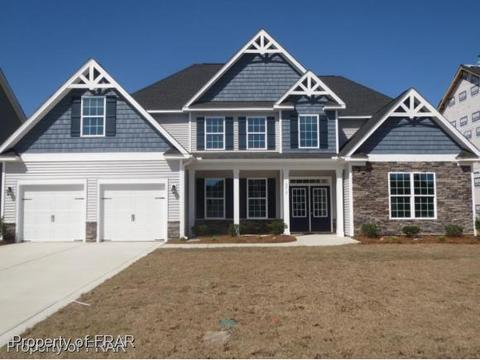 6013 Shannon Woods Way, Hope Mills, NC 28348