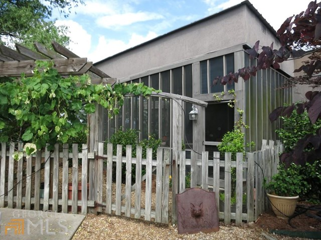 956 Haywood Valley Rd, Armuchee, GA