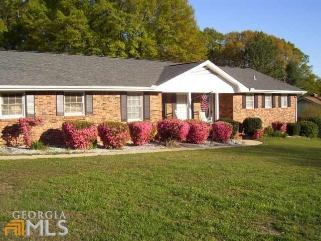 3027 Carol Dr, Fayetteville, GA