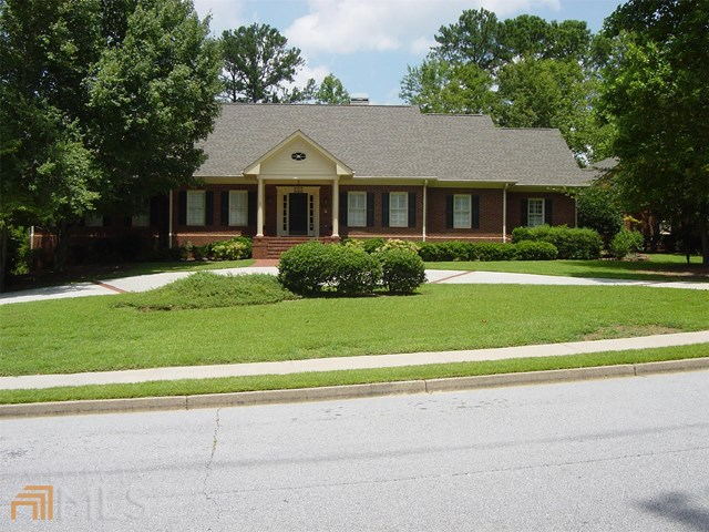 1469 Reagan Cir #APT 18, Conyers, GA