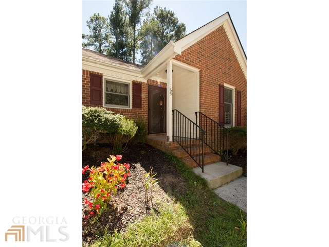 165 Williamsburg Way #APT 7b, Fayetteville, GA