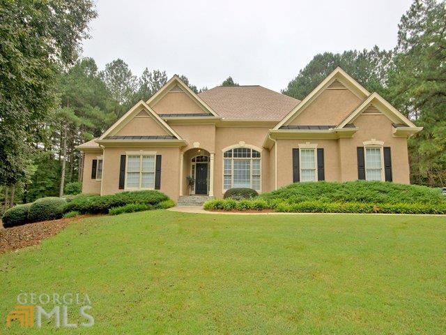 190 Manor Dr, Fayetteville, GA