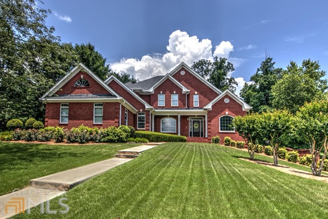 2725 Pitlochry St, Conyers, GA