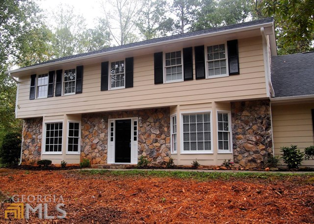 100 Forest Hall Ln, Fayetteville, GA