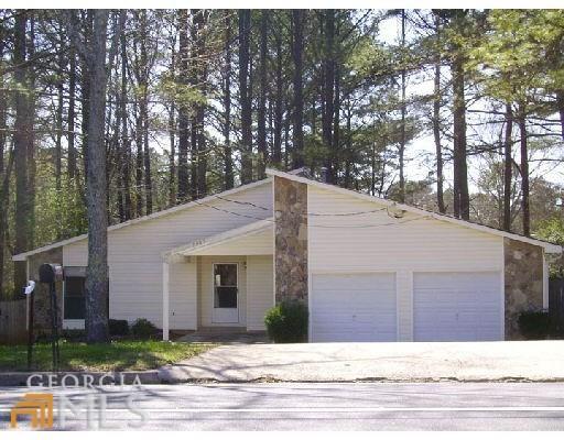 9309 Thomas Rd, Jonesboro, GA