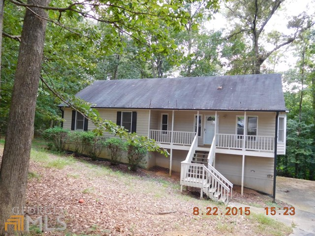 6615 Oak Farm Dr, Acworth, GA