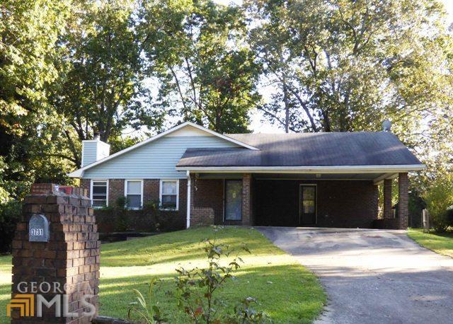 3731 Charlie Ln, Douglasville, GA