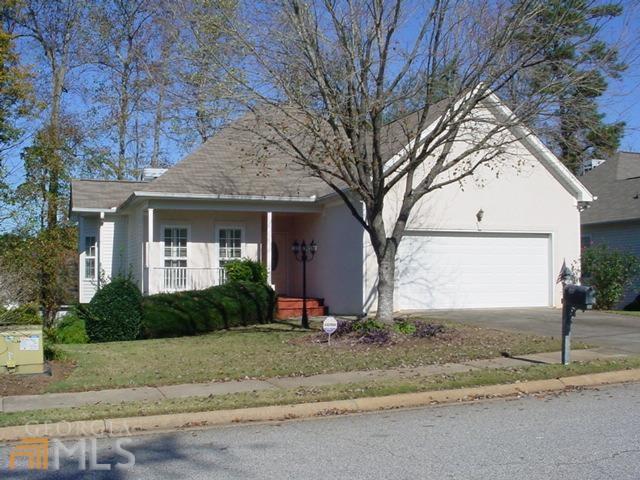 185 Churchill Crt #APT 16, Fayetteville, GA