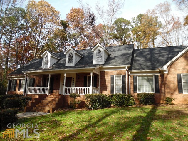 140 Oxford Ln #APT 63, Fayetteville, GA