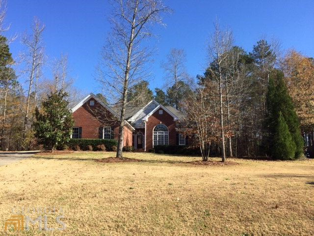 1241 Dove Creek Cir, Winder, GA