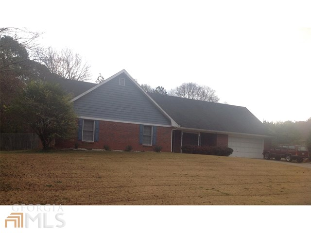 2970 Camary Place Dr, Conyers, GA