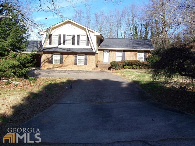 4328 Woodhaven Ln, Oakwood, GA