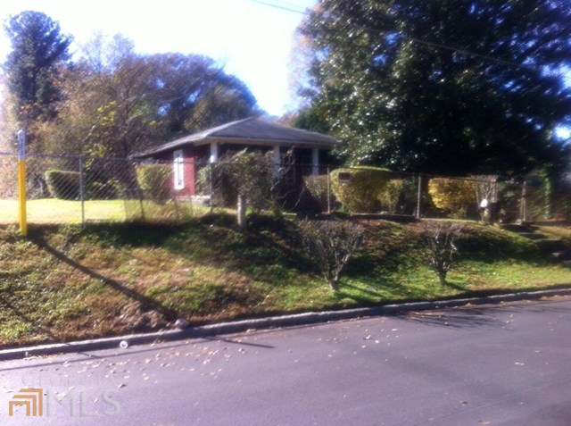 2410 Larchwood, Atlanta, GA
