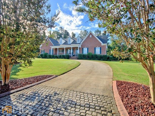 107 Sumner Place Ct, Peachtree City, GA