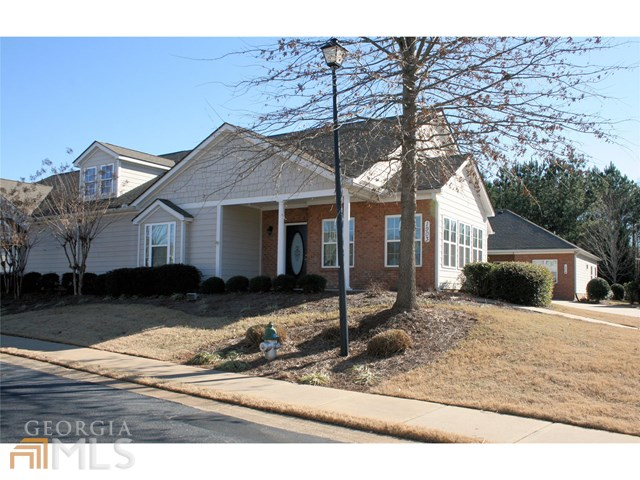 1903 Commonwealth Ct, Newnan, GA