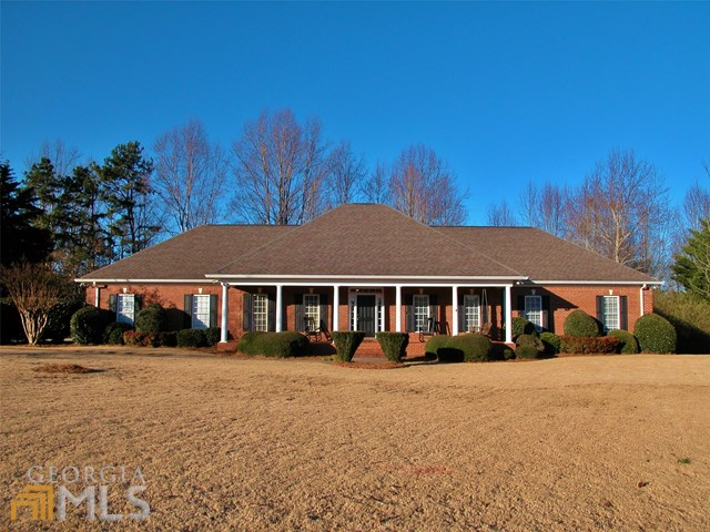 4557 Montclair Cir, Gainesville, GA
