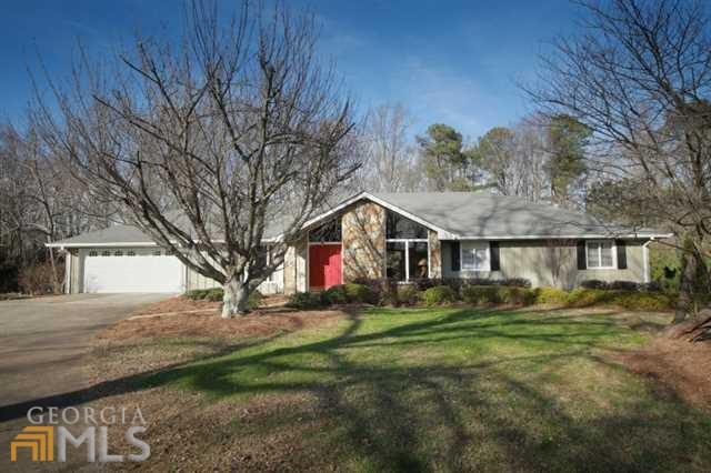 670 Hembree Rd, Roswell, GA