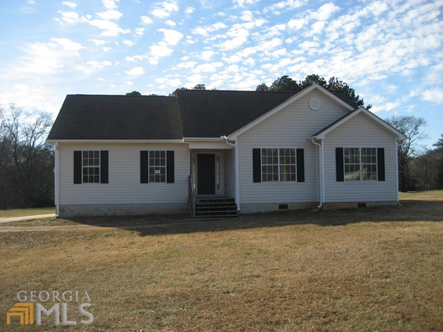 106 Horseshoe Bnd, Griffin, GA