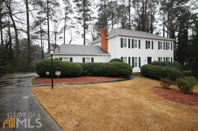 4252 Collie Ct, Lilburn, GA