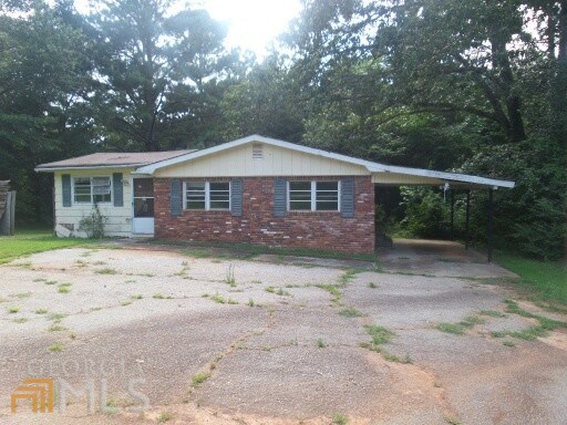 215 Lynn Dr, Covington, GA