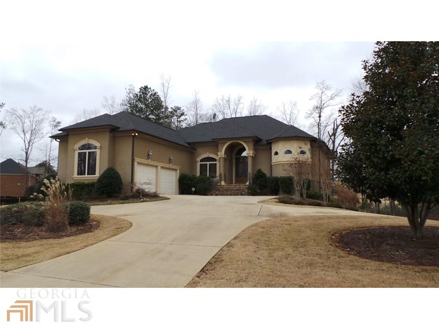 2546 Lake Erma Dr, Hampton, GA