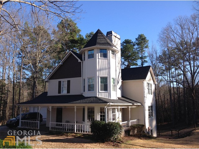 135 Birdsong Ln, Fayetteville, GA