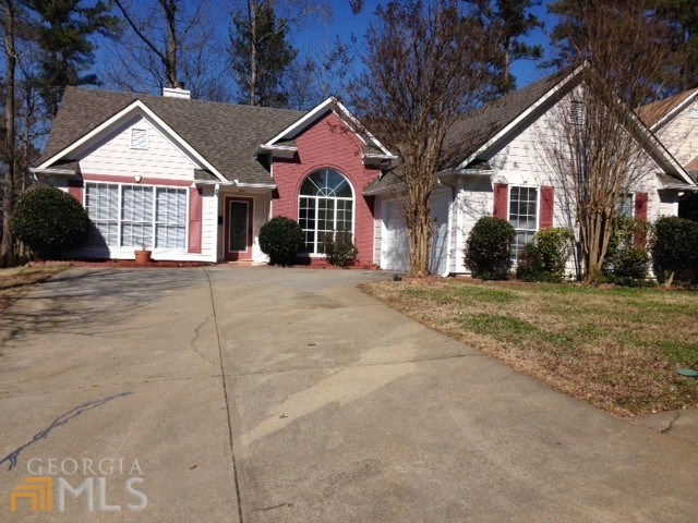 2755 Lady Guinevere Ln, Lawrenceville, GA