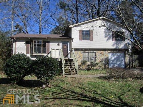 8558 Peartree Ct, Riverdale, GA