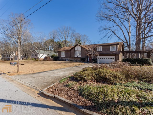 2536 Highland Golf Course Dr, Conyers, GA