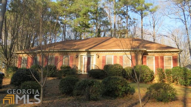 318 Walnut Grove Rd, Peachtree City, GA