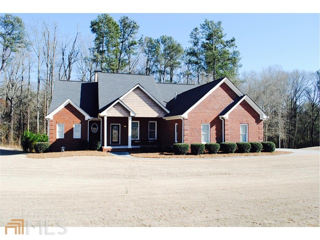 3613 Shepherds Ln, Loganville, GA