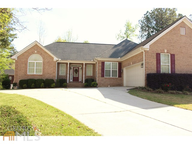 8145 Parkside Ln, Covington, GA