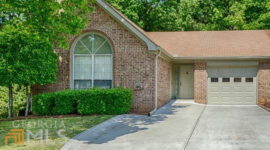 465 Jeff Davis Pl, Fayetteville, GA