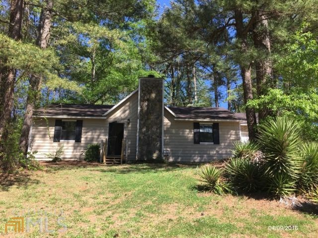 3492 Deer Trce, Lithonia, GA
