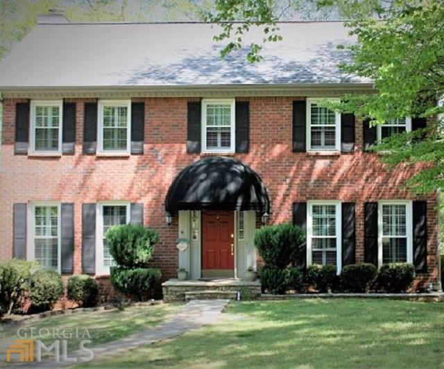 8571 Birch Hollow Dr, Roswell, GA