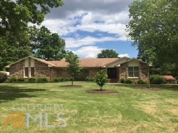 1407 Parkway Dr, Griffin GA 30223