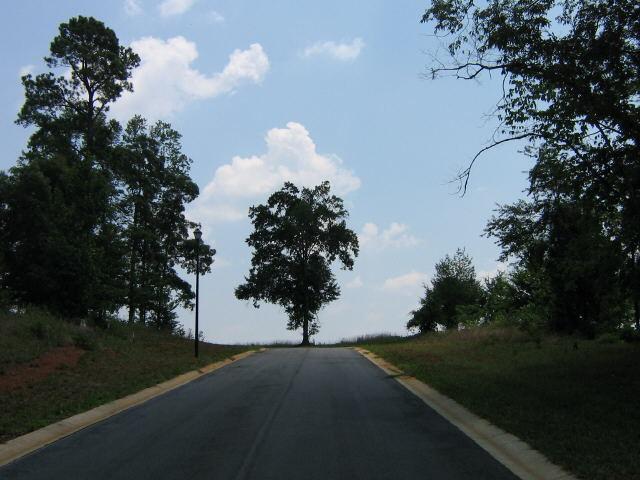 100 Bonny Oaks Ct, Lagrange, GA 30240