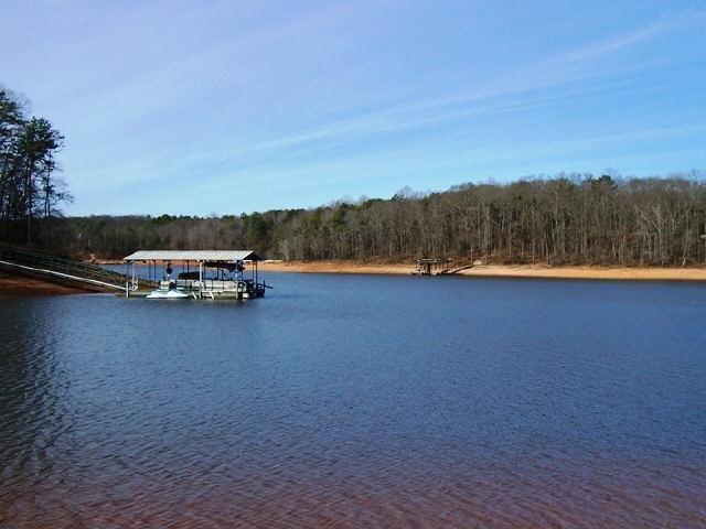 0 Lakeshore Dr, Hartwell, GA 30643
