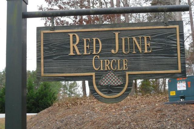 1319 Red June Ln, Clarkesville, GA 30523