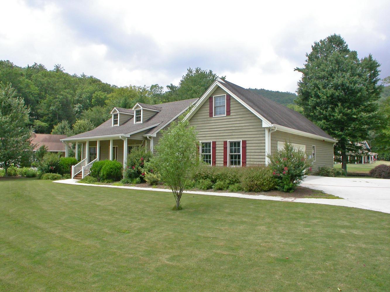 252 Seabrook Lane, Clayton, GA 30525