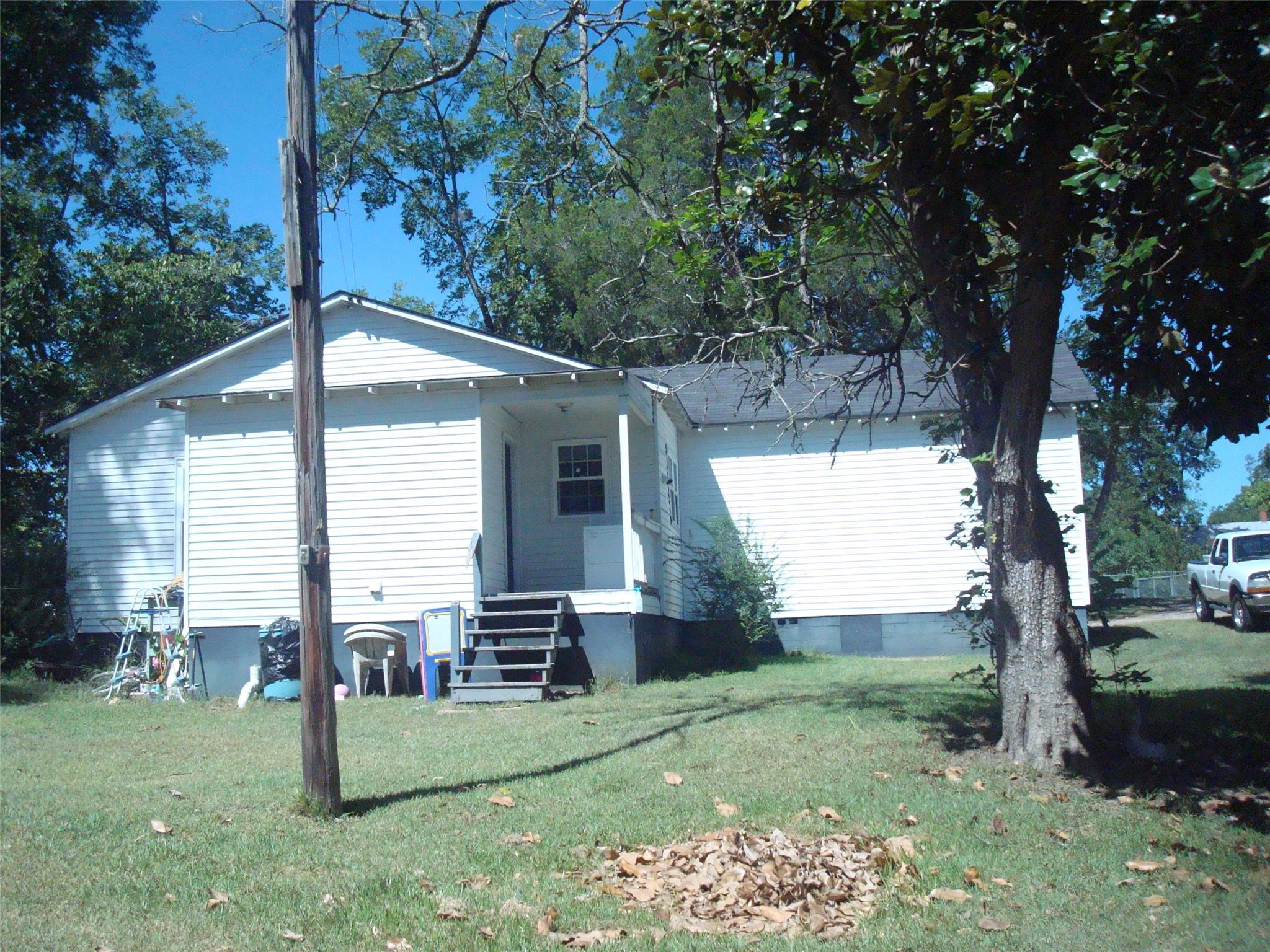 3056 Ivey Avenue, Claxton, GA 30417