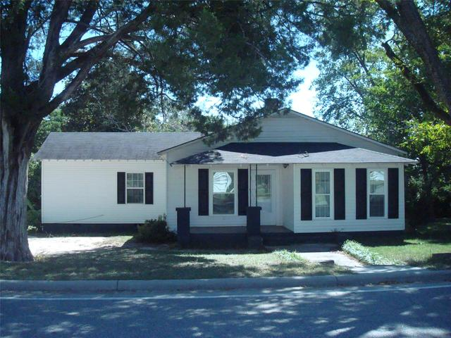 3056 Ivey Ave, Claxton, GA 30417