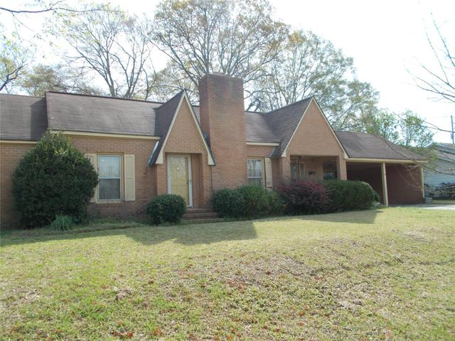63 S Williams St, Metter, GA 30439