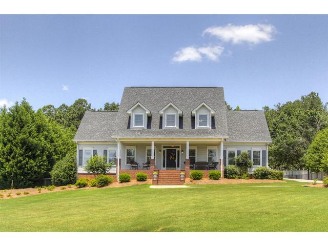 304 Shady Valley Dr, Carrollton, GA