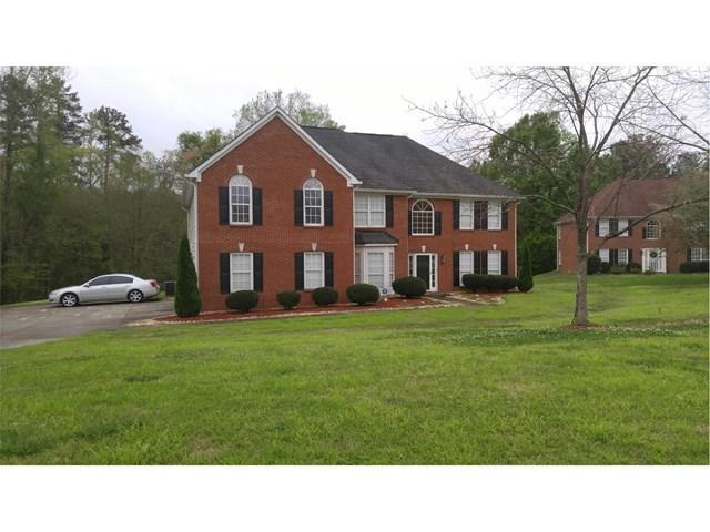 425 Woodbyne Dr, Fayetteville, GA