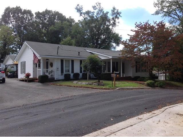 107 S Main St, Adairsville, GA
