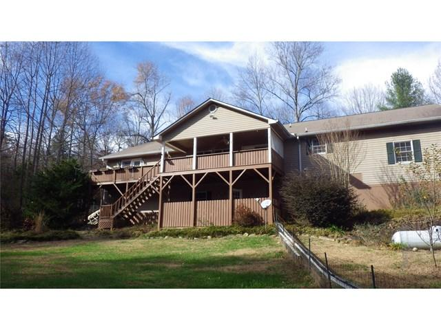 69 Peaceful Valley Dr, Cleveland, GA 30528
