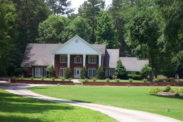 2461 Temple Johnson Rd, Snellville, GA
